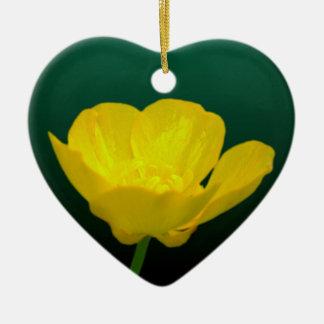 Regalos personalizados ornamento del ranúnculo del adorno navideño de cerámica en forma de corazón