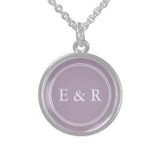 Regalos púrpuras en colores pastel cretáceos collar de plata de ley
