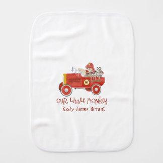 Regalos retros del bebé del coche de bomberos del paños de bebé