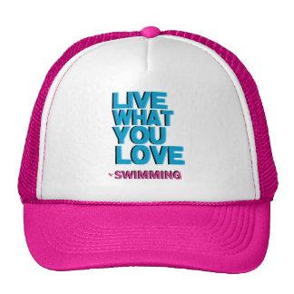 Regalos rosados de la natación del amor gorra