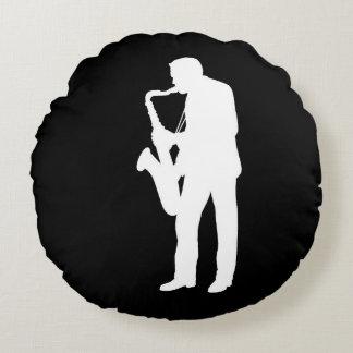 """Regalos y productos del diseño del """"saxofonista"""" cojín redondo"""