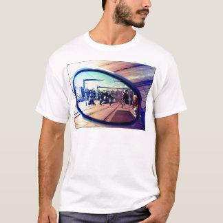 Regarder votre miroir, watch your mirror T-Shirt
