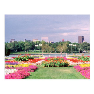 Regina - jardines legislativos pintados postal