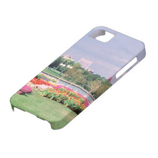Regina Legislative Gardens iPhone SE/5/5s Case