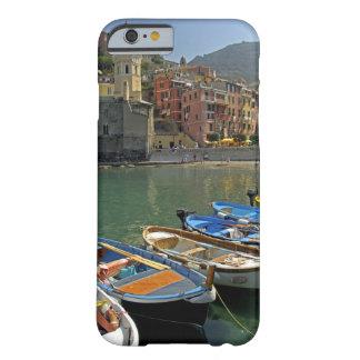Región de Europa, Italia, Liguria, Cinque Terre, 2 Funda De iPhone 6 Barely There
