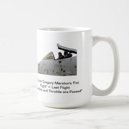 Regla #4 del humor de A-10 Warthog Taza Básica Blanca