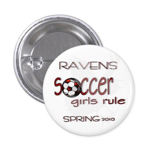 Regla de los chicas del fútbol con el botón del cu pins