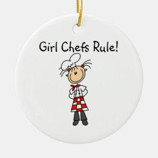 Regla de los cocineros del chica adorno navideño redondo de cerámica