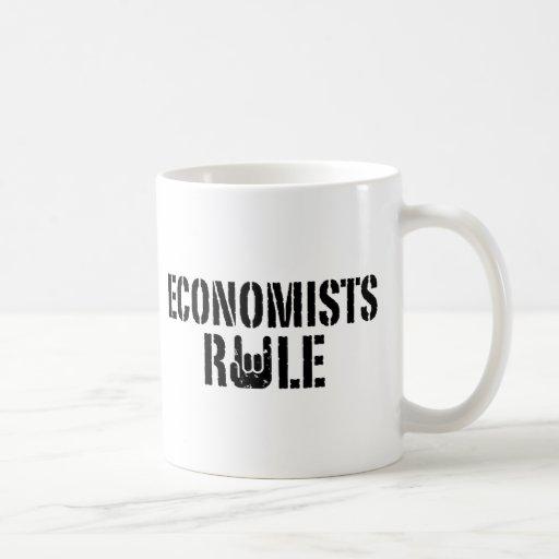 Regla de los economistas taza básica blanca