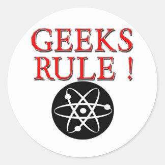 ¡Regla de los frikis!  con el átomo Pegatina Redonda
