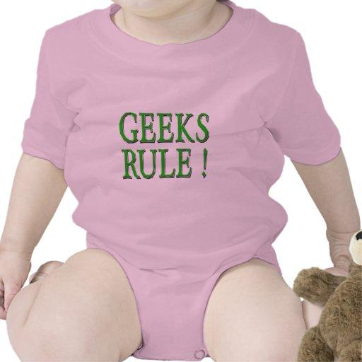 ¡Regla de los frikis!  Verde Camisetas