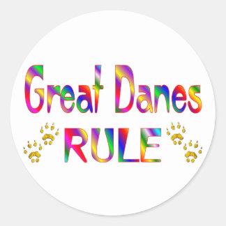 Regla de los grandes daneses pegatina redonda