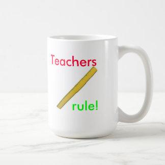 ¡Regla de los profesores! ¡Roca de los profesores! Taza Clásica