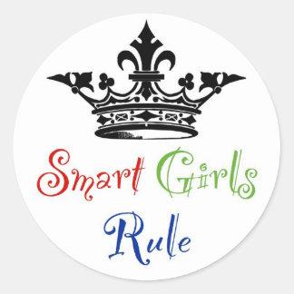 Regla elegante de los chicas… con la corona pegatina redonda
