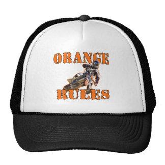 Reglas anaranjadas gorros bordados