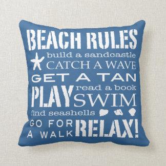 Reglas de la playa por el el azul clásico de la co cojin