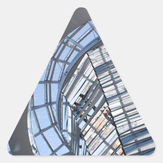 Reichstag reflejó la bóveda - Berlín Pegatina Triangular