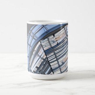 Reichstag reflejó la bóveda - Berlín Taza De Café