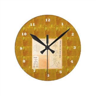 REIKI Healing Gold : Symbols Signs CRYSTAL Gold Round Wallclocks