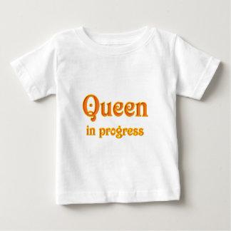 Reina de inglaterra en progress playeras
