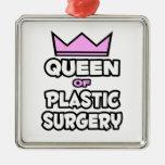 Reina de la cirugía plástica ornato