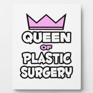 Reina de la cirugía plástica placa