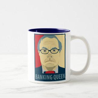 Reina de las actividades bancarias de Anti-Barney Taza De Café De Dos Colores