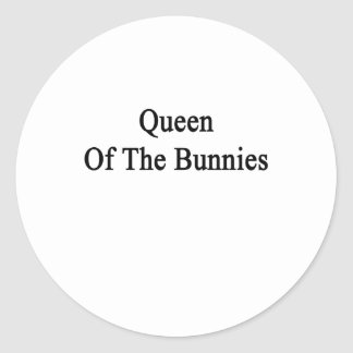 Reina de los conejitos pegatina redonda