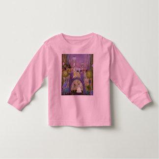 Reina de Thumbelina de la camisa del cuento de