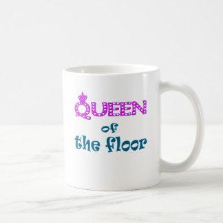 Reina del piso taza clásica