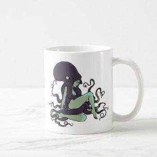 Reina del pulpo taza clásica