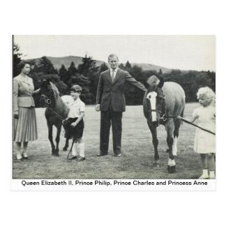 Reina Elizabeth II, príncipe Philip, Charles, Anne Postales