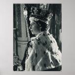Reina Elizabeth II que lleva la regalía de la coro Impresiones