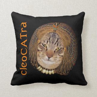 Reina felina de CleoCATra de la astucia Cojín