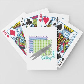 Reina que acolcha barajas de cartas