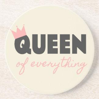 Reina rosada y gris oscuro todo diseño del texto posavaso para bebida