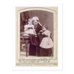 Reina Victoria (1819-1901) con sus nietos, Postales