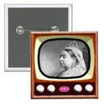 Reina Victoria en la TV retra Pin