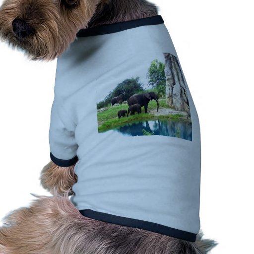 Reino animal de siguiente de la mamá y del amor camisetas de mascota