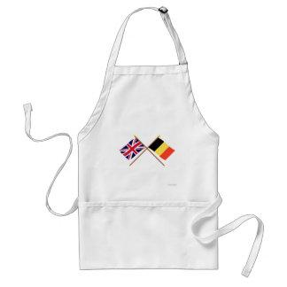Reino Unido y banderas cruzadas Bélgica Delantal