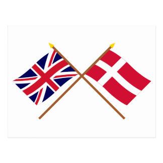 Reino Unido y banderas cruzadas Dinamarca Tarjeta Postal