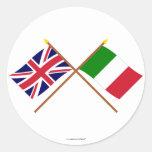 Reino Unido y banderas cruzadas Italia Pegatina Redonda