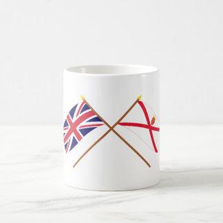 Reino Unido y banderas cruzadas jersey Tazas De Café