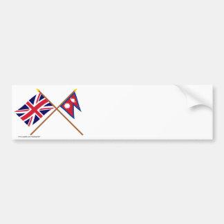 Reino Unido y banderas cruzadas Nepal Etiqueta De Parachoque