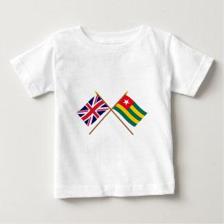 Reino Unido y banderas cruzadas Togo Playera De Bebé