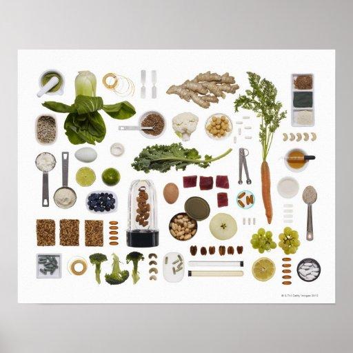 Rejilla sana de la comida en un fondo blanco posters