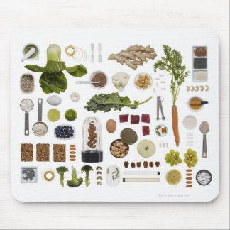Rejilla sana de la comida en un fondo blanco alfombrillas de ratón
