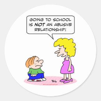relación abusiva de la escuela pegatina redonda