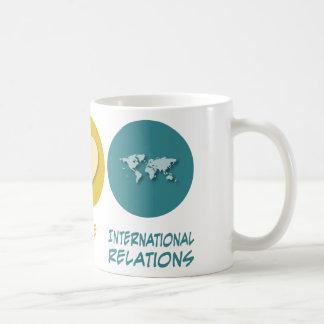 Relaciones internacionales del amor de la paz tazas