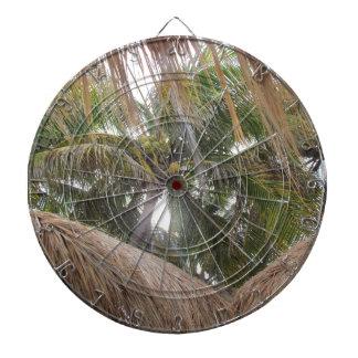 Relajación debajo de las palmeras tablero de dardos